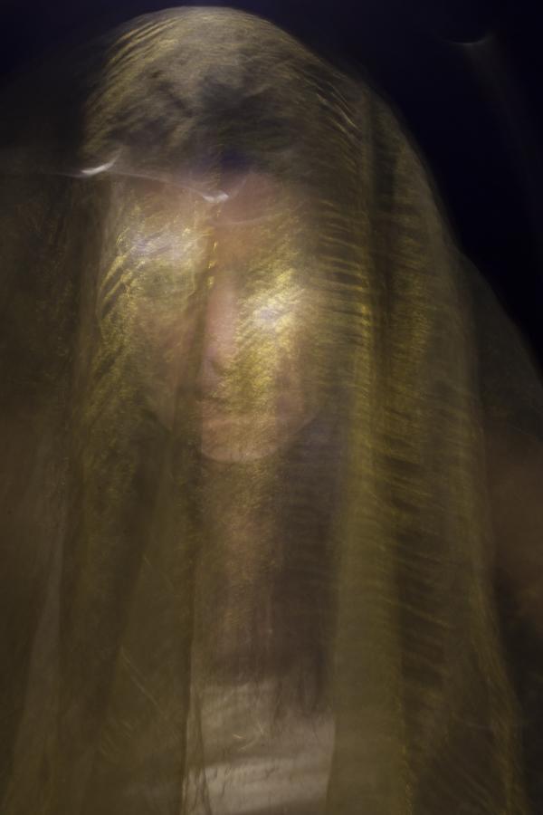 ritratto fotografia di luce donna