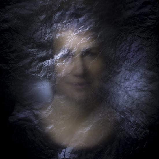 ritratto fotografico in light painting ecate di donne e di dee
