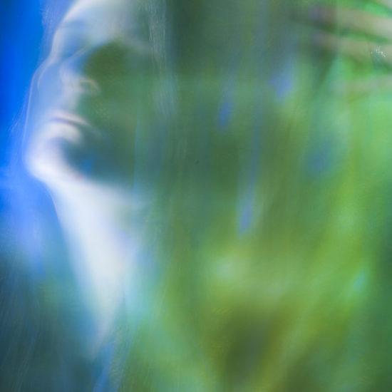 ritratto fotografico in light painting nel vento