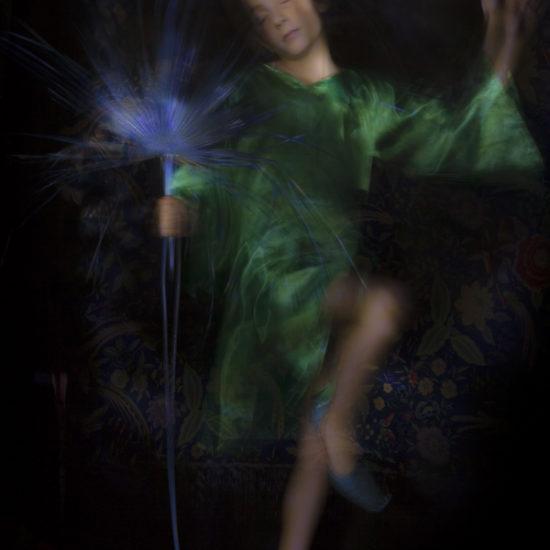 ritratto fotografico in light painting puck - sogno di una notte di mezza estate - william shakespeare