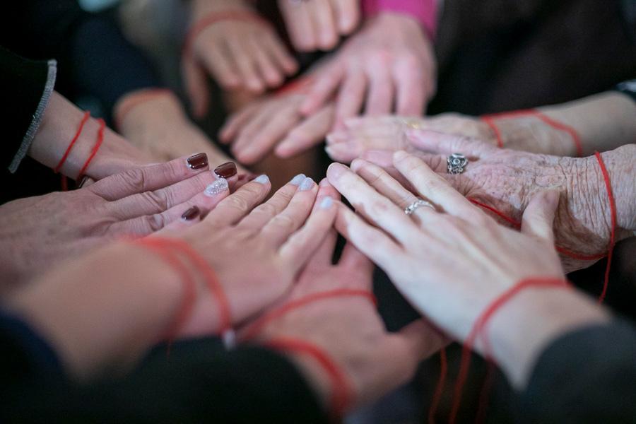 Women in white society, dress code di tutti i colori, allebonicalzi, cerchio