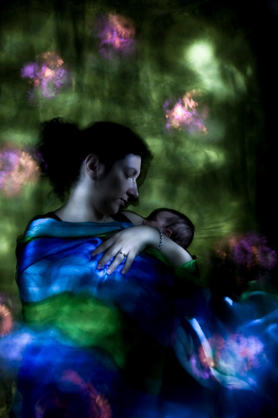 Madonna con bambina, ritatto newborn in light painting,