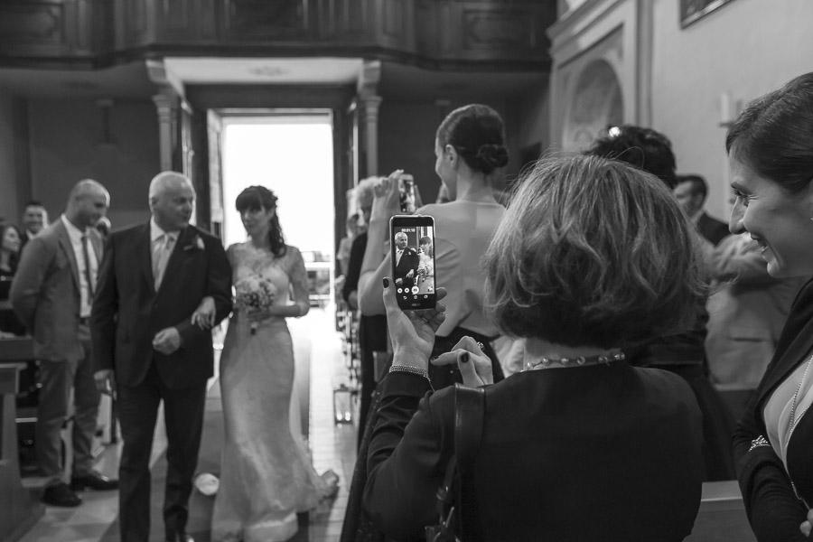 sulla-soglia-sposi-matrimonio-fotografia-allebonicalzi
